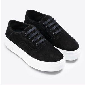 🖤 VINCE Copley Suede Lace Platform Sneakers